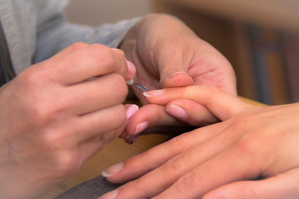 Tips para hacer crecer las uñas fuerte y rápido, ¡presta atención!
