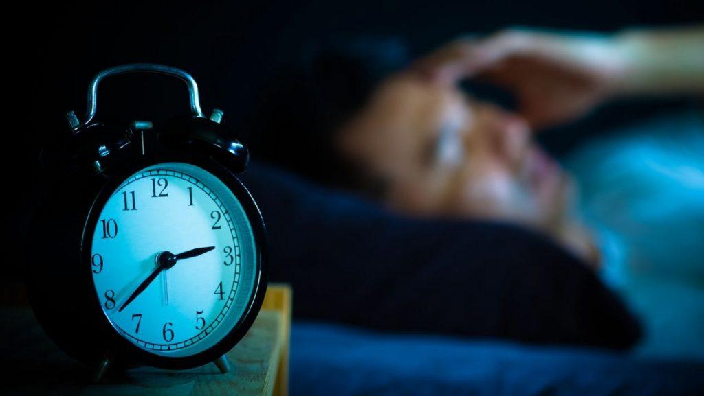 Estudio revela que dormir mal afecta la salud del corazón