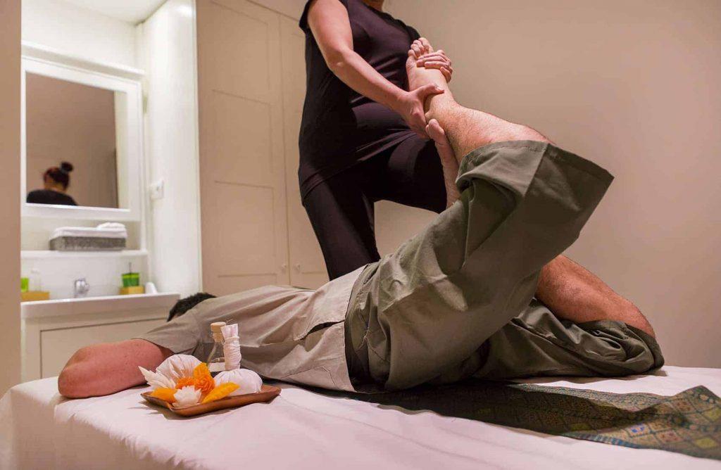 Analiza los beneficios del masaje tailandés