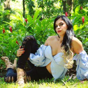 Paola Villatoro: modelo salvadoreña auténtica
