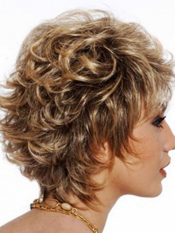 Motivos por los que mujeres mayores se cortan más el pelo