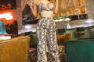 Claudia Coria: modelo versátil envuelta en el arte